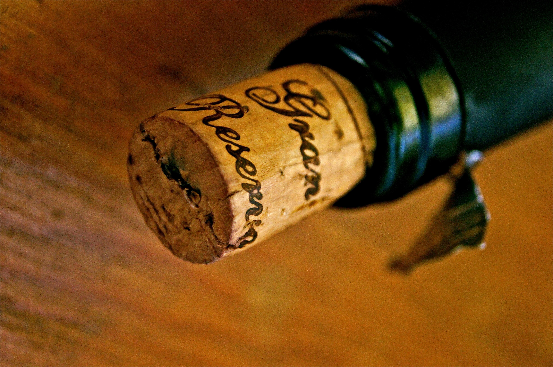 Vin lukket med korkprop