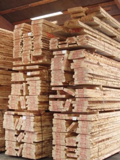Hårdttrælasten træ på lager