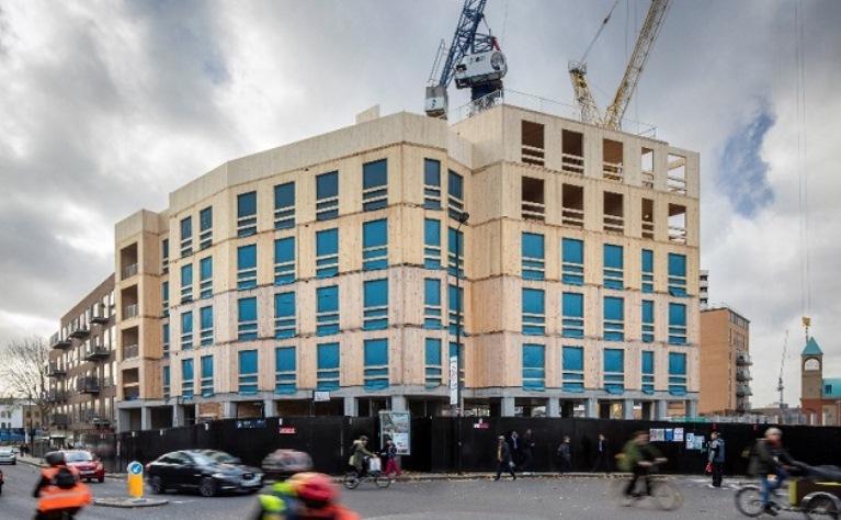 Bygning af CLT på Dalston Lane, Hackney, i London