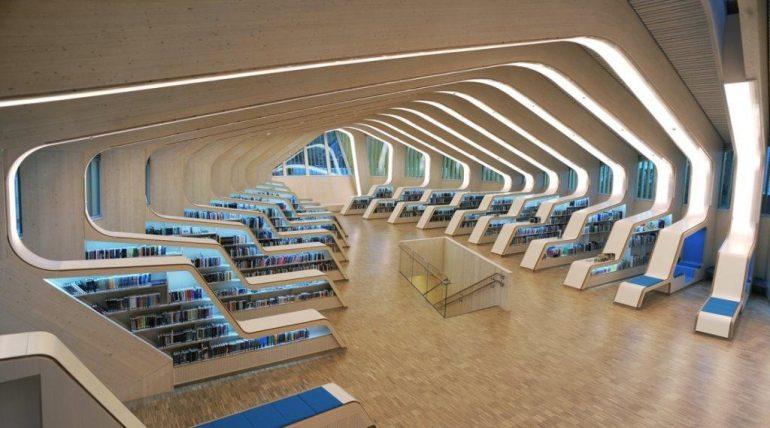 Øjenåbner for bæredygtigt byggeri og arkitektur med træ. Bibliotek af Helen & Hard